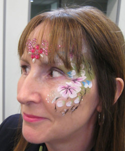 Specsavers_opening_facepainters_Bellshill_March_2018