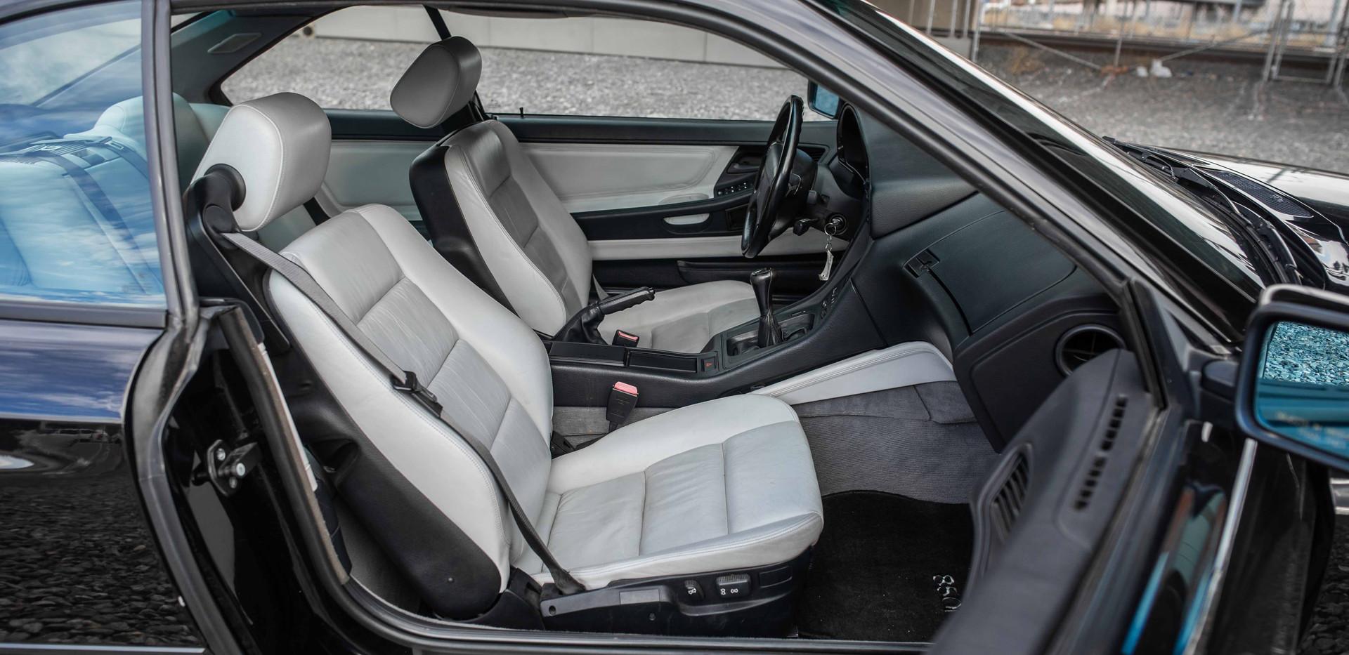 Interior_Passenger_Front_Seats_2_850.jpg