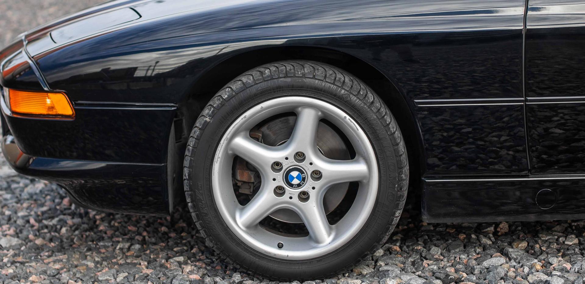 Driver_Side_Front_Wheel_850.jpg