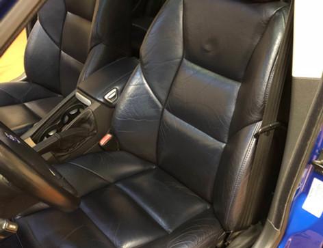 volvo driver seat garage 33.jpg