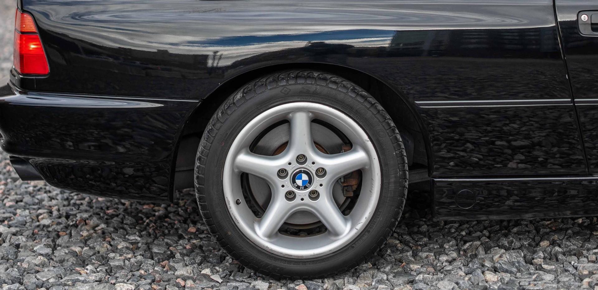 Passenger_Rear_Wheel_850.jpg