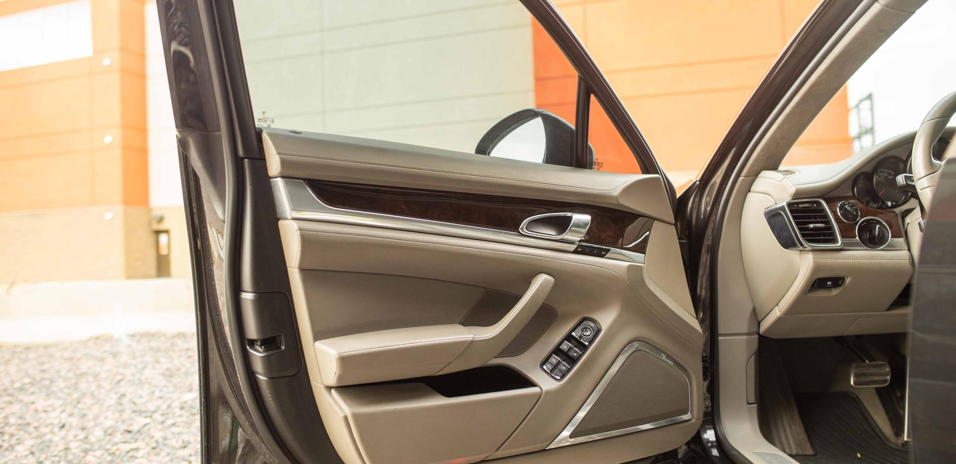 Interior_Driver_Door_Front_Panamara.jpg