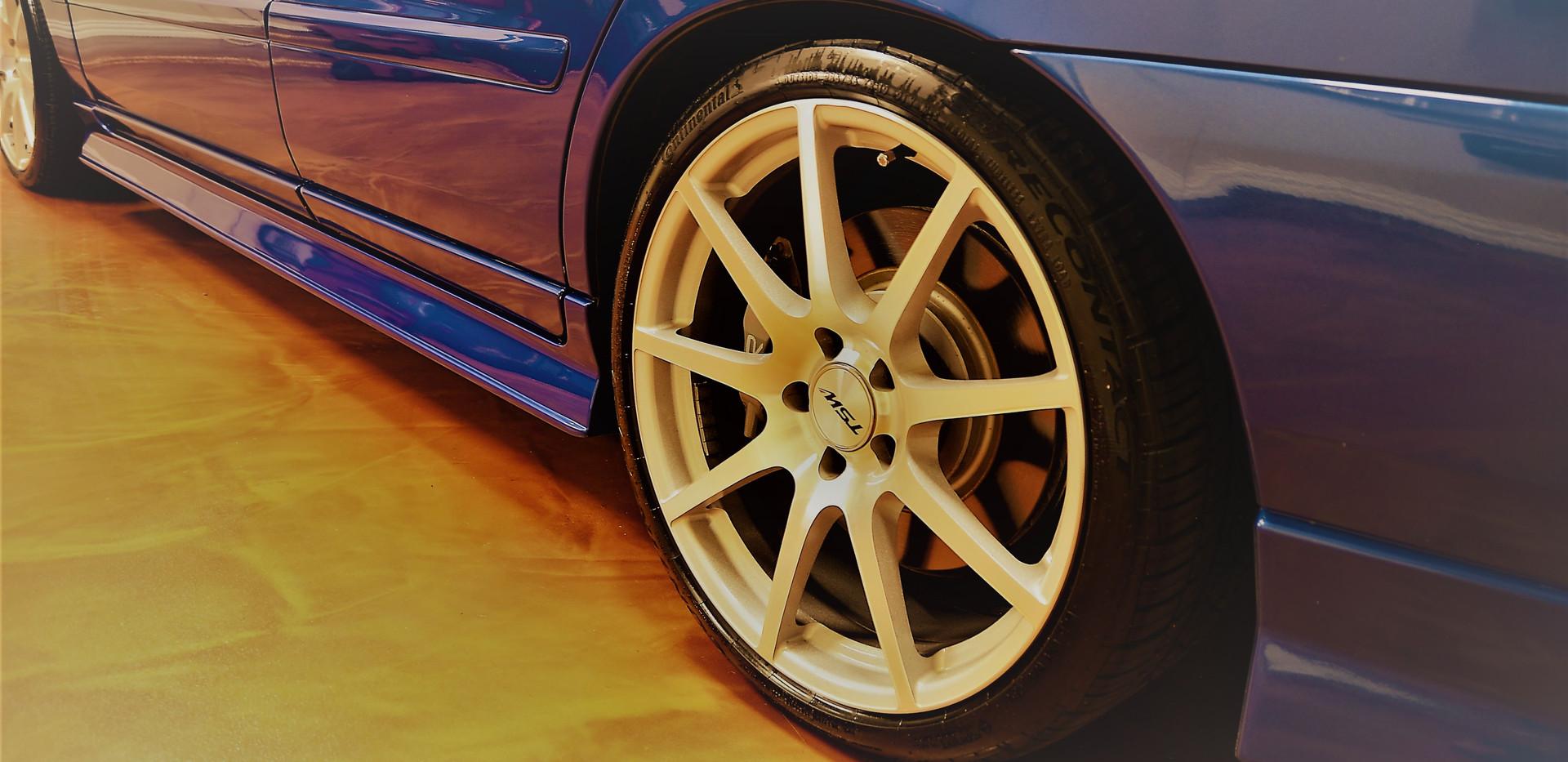 volvo rear tire garage 31.jpg