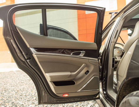 Interior_Driver_Door_Rear_Panamara.jpg