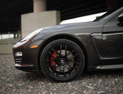 Driver_Front_Wheel_Panamara.jpg