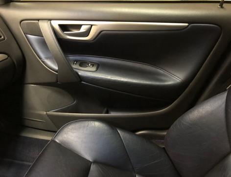 volvo passenger interior door 43.jpg