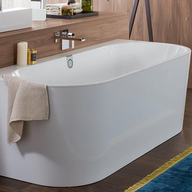 Villeroy-Boch-Oberon-2.0-Bath-02.jpg