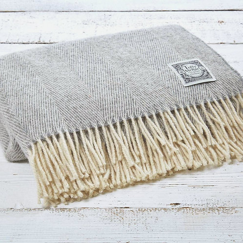 Pure New Wool 'Lady Grey'
