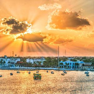 sunrise-3271067_edited_edited.jpg