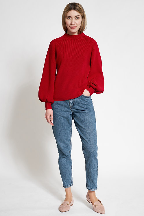 Sweater with balloon sleeves in red