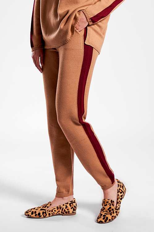 Joggers with tuxedo stripes in camel