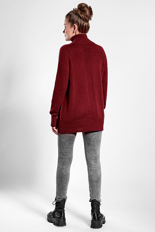 Oversized high neck sweater in red wine