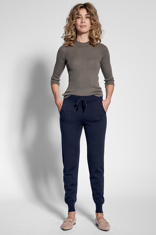Knitted pants in dark blue