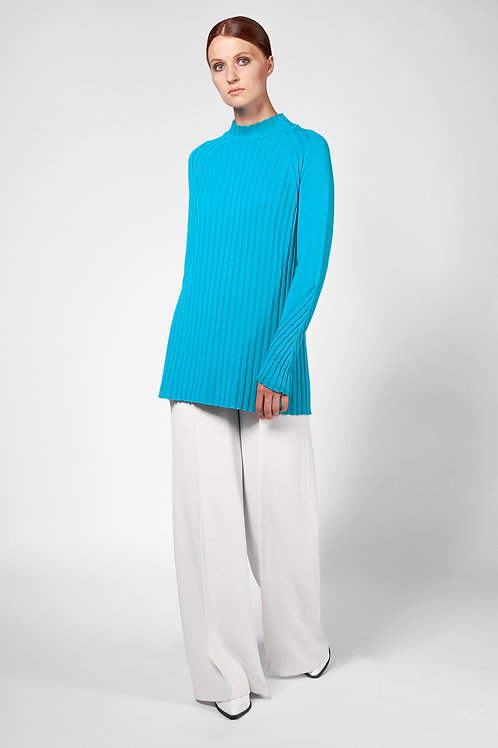 Long sweater in turquoise blue