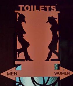 RODEOS TOILETS 1.jpg
