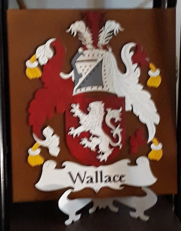 WALLACE FAMILY CREST.jpg