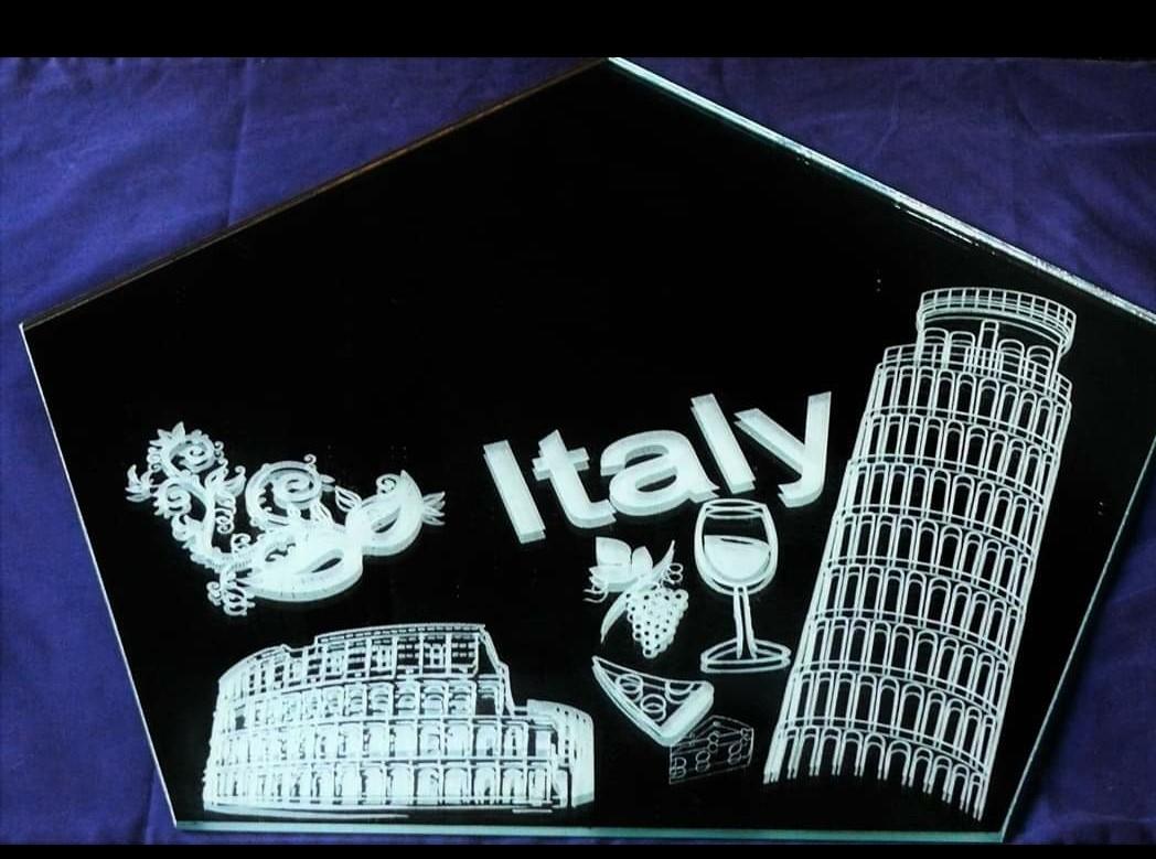 MIRROR ITALY 1.jpg