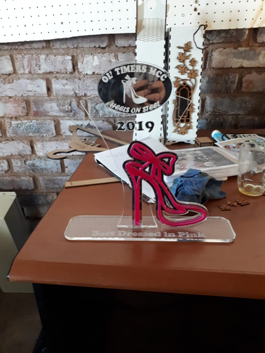 HEELS ON STEEL 2019 PERSPEX TROPHY 1.jpg