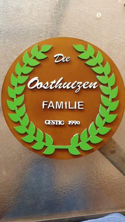 FAM OOSTHUIZEN FAMILY 1990.jpg
