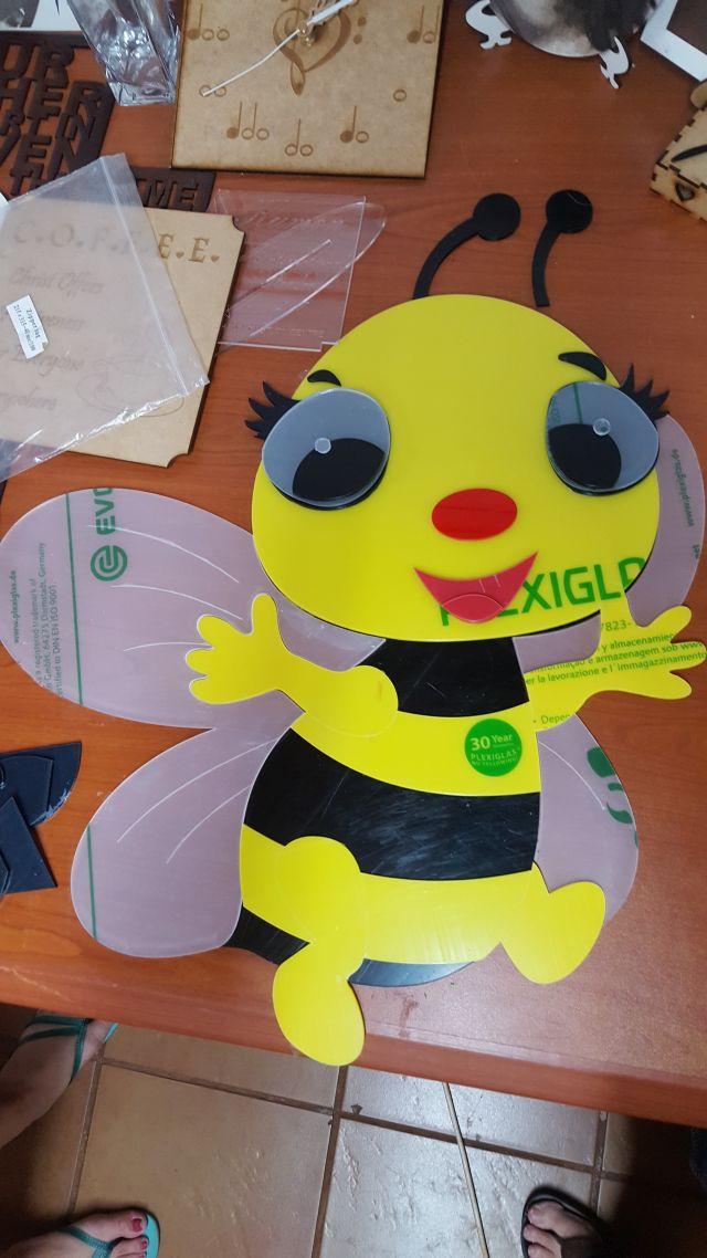CHILD BEE.jpg
