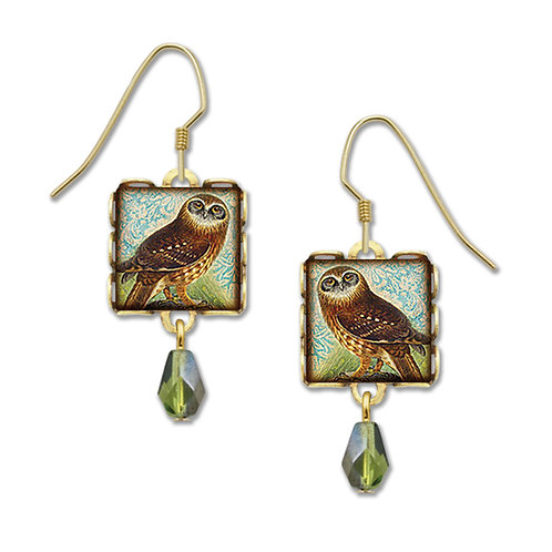 Owl w/green bead in square lace setting
