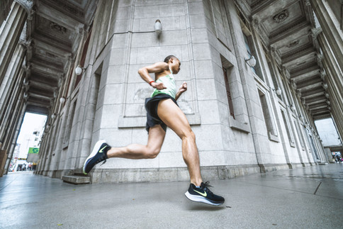 Nike Pegasus 37 跑團形象