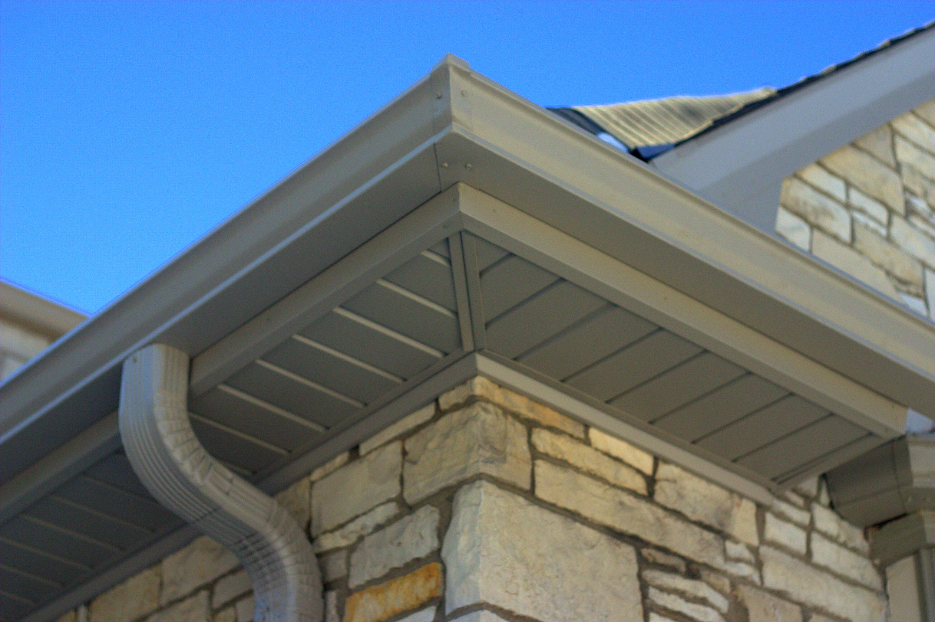 Milwaukee Soffit and Fascia