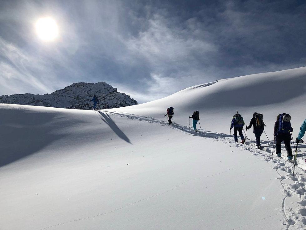 Schneeschuhwanderung Hinder Asset neu.jp