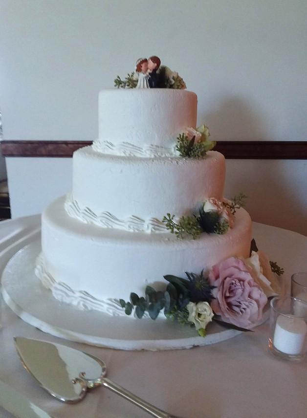 Kissing Cake