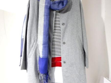 スカーフ(税抜)5,700円PeopleTreeインドリネンコットン Tシャツ(税抜)4,900円PeopleTreeインドオーガニックコットン