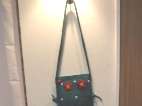 フェルト肩かけバッグ花(税抜)3,800円ネパールウールブルーグリーン