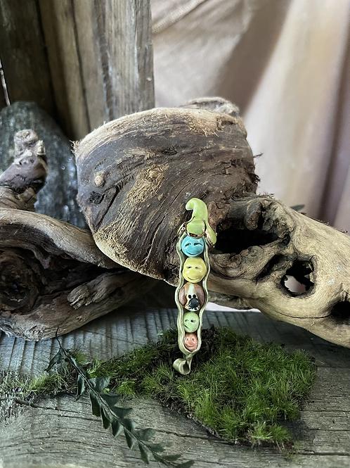 Peapod Family Ornament
