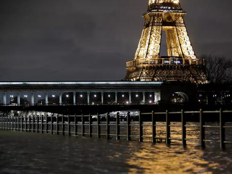 Chuvas levam enchente ao rio Sena, em Paris, e margens ficam inundadas