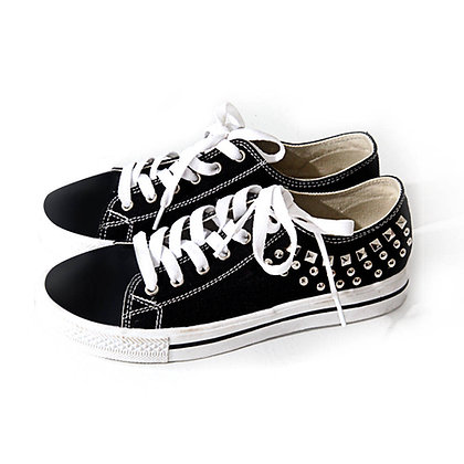 GS13 Studded Low Top