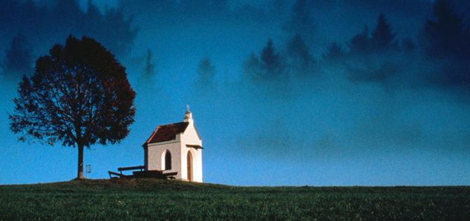 IGREJA e igrejas