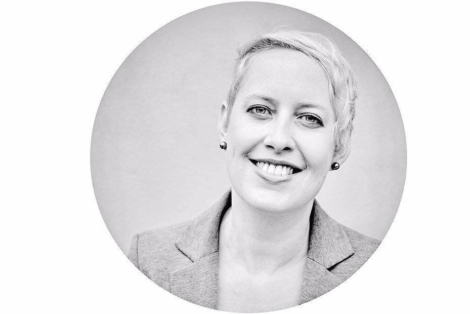PhDr. Petra Drahoňovská, Career Designer, kariérový koučink a poradenství, brand, branding, career coaching, Linkedin konzultace, LinkedIn workshop