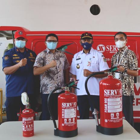 Bersama Kepala Dinas Penanggulangan Kebakaran dan Penyelamatan (Gulkarmat) DKI Jakarta Drs. Satriadi Gunawan, M. Si.