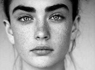 Preto e Branco Retrato de mulher com Fre