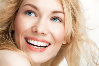 Cerâmicas e Lentes: Proporcionando a você um novo sorriso!