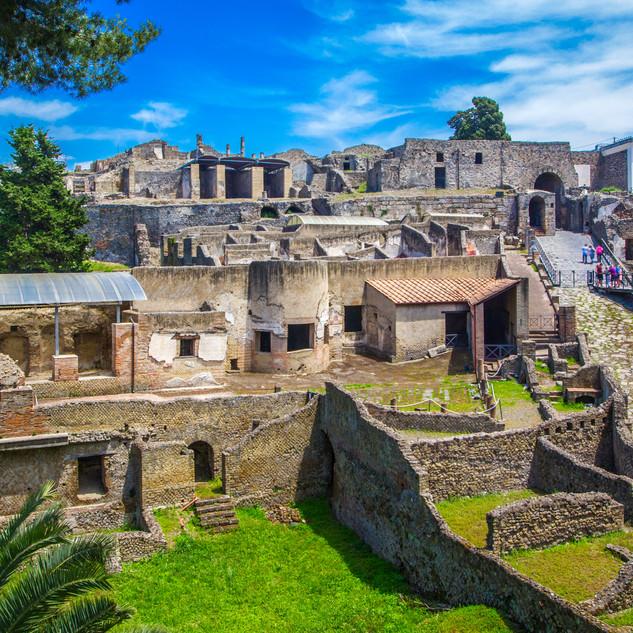 Pompeii_excavations.jpg