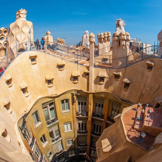 9._Info_about_architect_Antoni_Gaudí.jpg