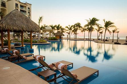 Hyatt-Ziva-Los-Cabos-Infinity-Pool.jpg