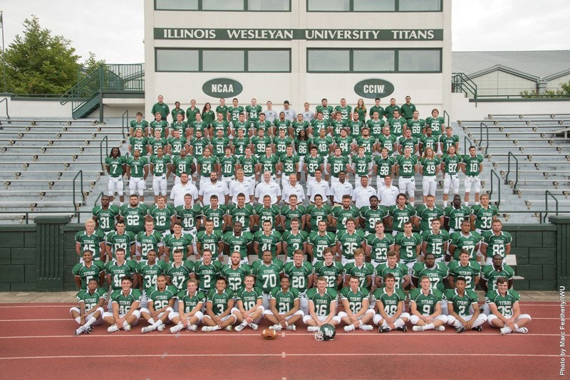 2015 IWU Football Team Photo.jpg