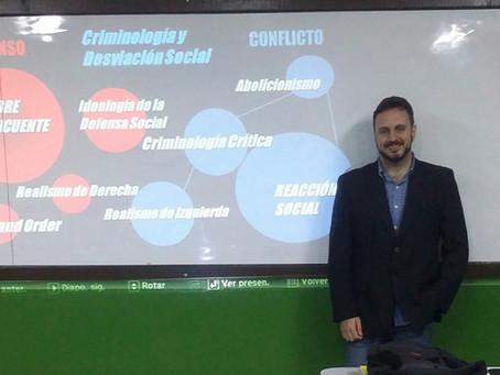 Professor Gabriel Divan discute Criminologia Cultural na Universidad San Carlos de Guatemala