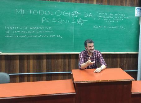 """Palestra """"Morte ao método: transgressão, resistência e ativismo na pesquisa científica"""", na FURG"""