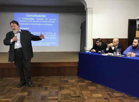Criminologia cultural: um convite - evento no IPA com palestras de Oxley, Lorenzini e Baziewicz
