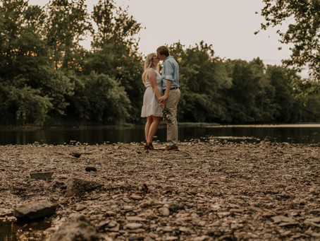 Cute Parks in Columbus Ohio- Engagement Session - Katey & Carson