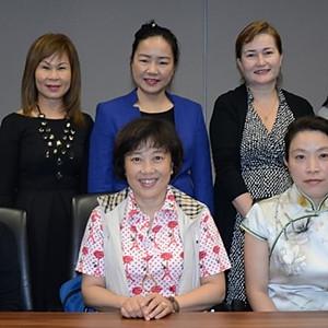 中国上海妇联访问新加坡