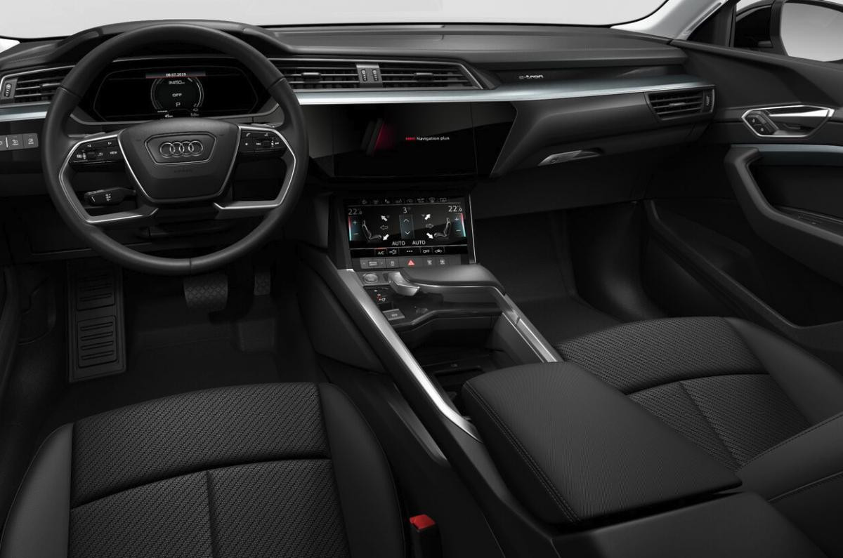 Audi e-tron Attraction 50 quattro_3.jpg