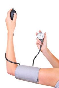Ciśnienie_krwi_pomiar_34531891_©_ronstik